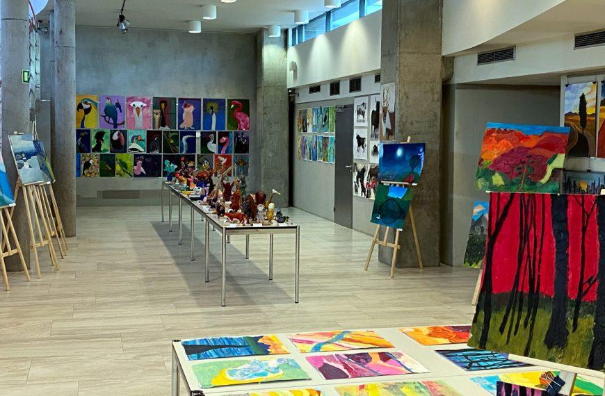 Wystawa prac dziecięcych w Galerii (-1)